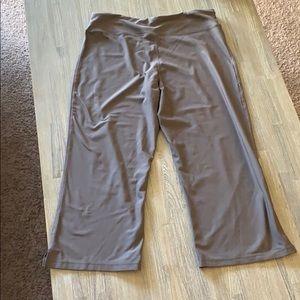 Nike Pants - Nike cropped leggings